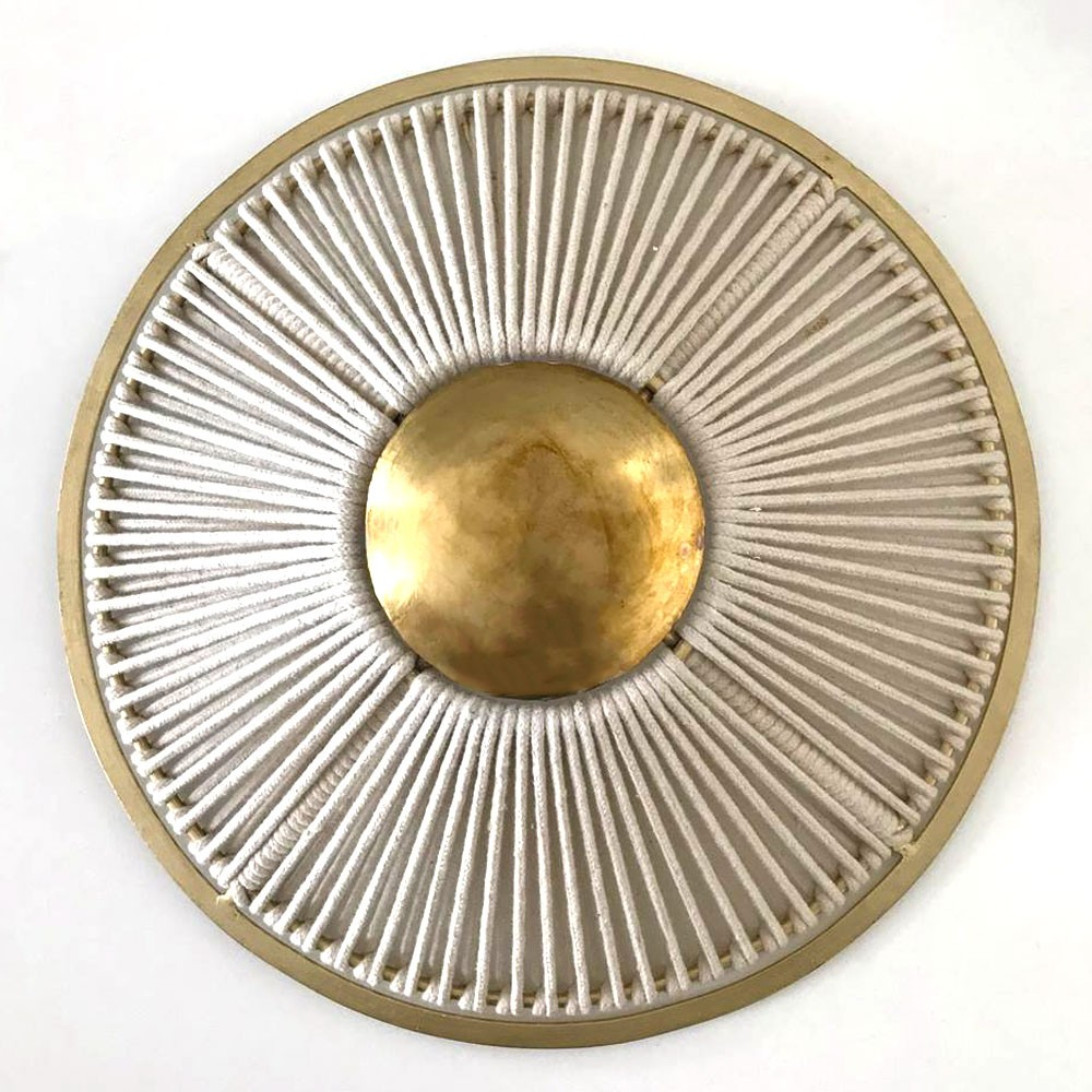 Round wall lamp with rope