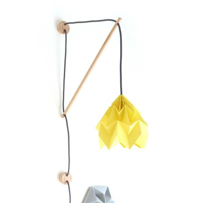 Wall fixture Klimoppe with Moth lamp yellow
