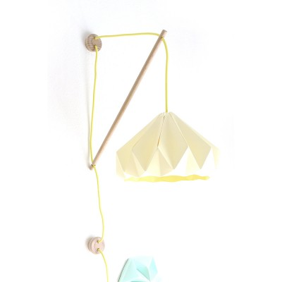 Wall fixture Klimoppe with Chestnut lamp canary yellow
