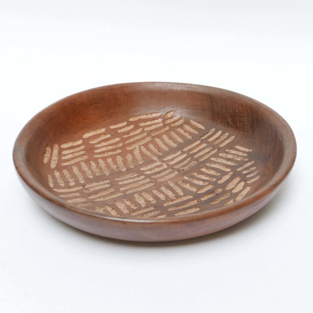 Large engraved wooden dish 1