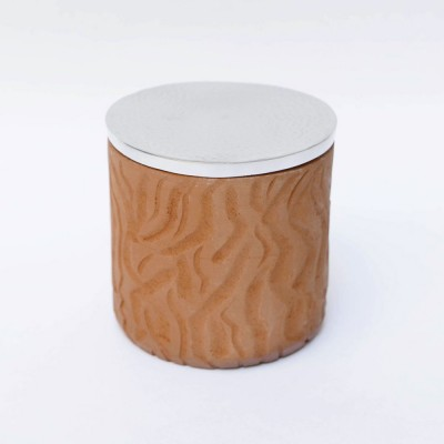 Faux-wood pot