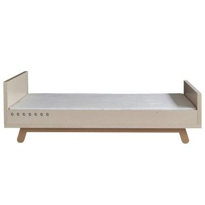 Peekaboo toddler bed Kutikai