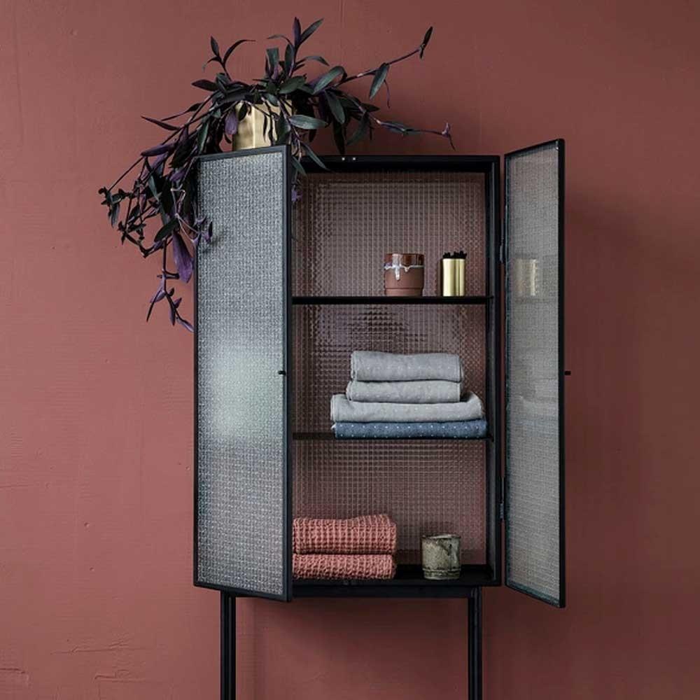 Haze vitrine cabinet