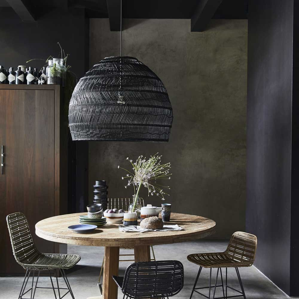 suspension boule en osier noir l hk living. Black Bedroom Furniture Sets. Home Design Ideas