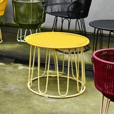 Circo side table honey/sand